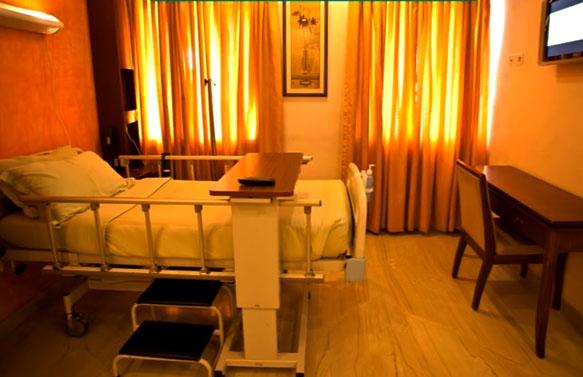 Apollo Hospitals, Greams Road Chennai - inside room