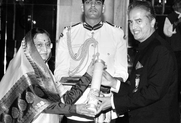 Dr. Devi Prasad Shetty Received Padma Bhushan Awards through President of India in 2012.